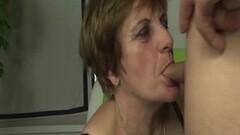 Redhead granny gets deep stuffing Thumb
