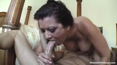 Sensual babe gets her ass drilled Thumb