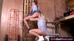 Nylons Sn 5 Babe Britney Amber wears lingerie as she fucks Thumb