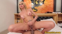 Quinn and Penelope enjoys fingering after a hot massage Thumb
