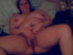 Kinky BBW milf Eileen fucking herself Thumb