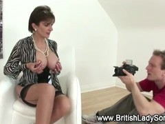 Mature lingerie slut poses Thumb