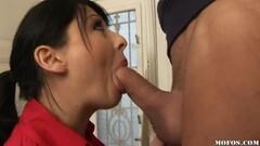 Amazing trimmed babe masturbating with sex machine Thumb