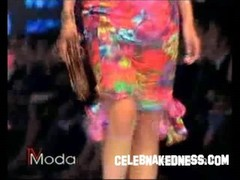 Celebnakedness models naked on the runway with natural breasts 2 Thumb