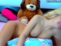 gorgeous blonde masturbating with a dildo5.wmv Thumb