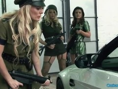 Lucky dudes get blown by some hot army girls Thumb