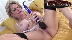 Busty mature Lady Sonia loves her hitachi vibrator Thumb