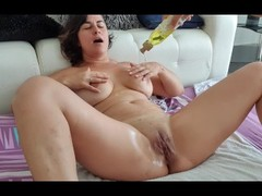 Monster squirt with fisting in pussy Thumb